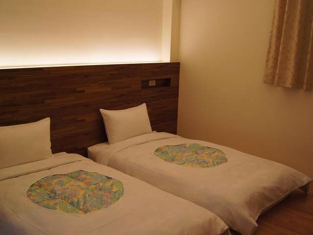Double Room (2 single bed)
