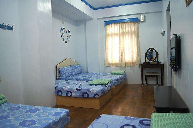6 Persons Room